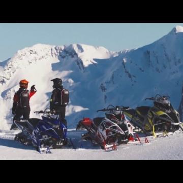 Турбированный снегоход на стенде Yamaha